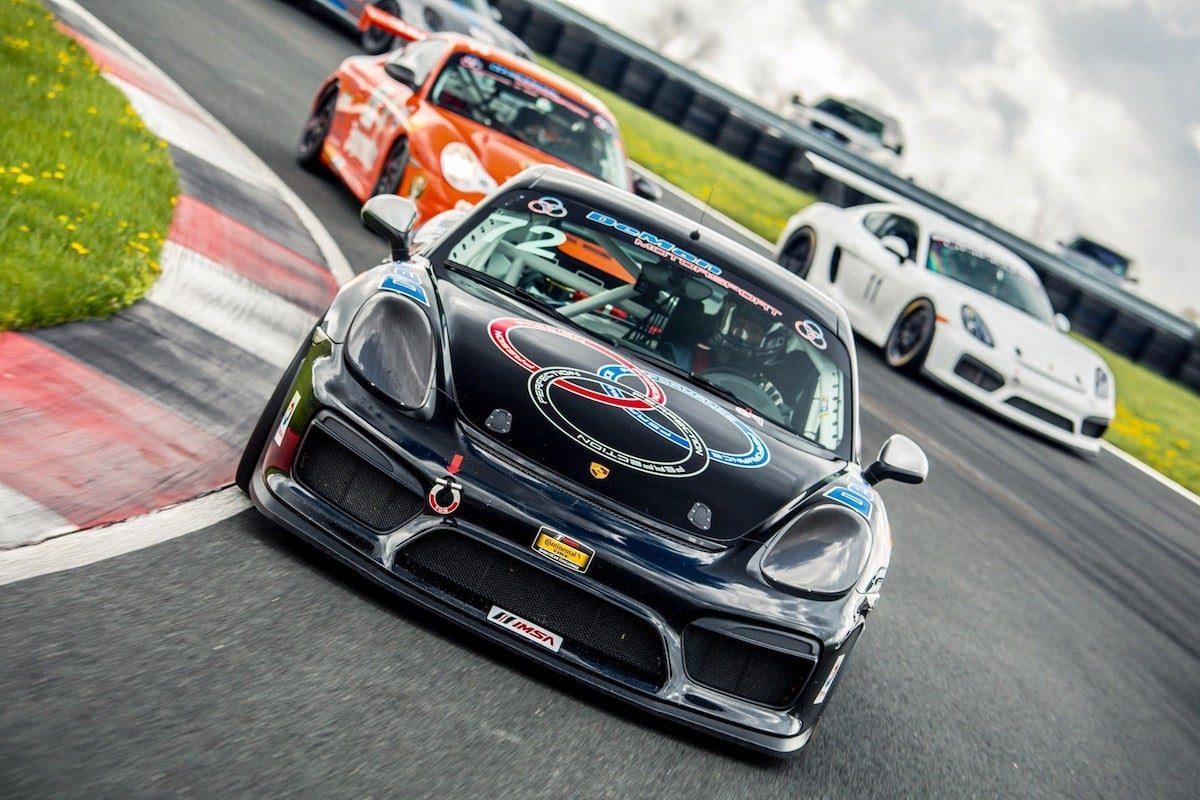 DeMan GT4 Leading on Track