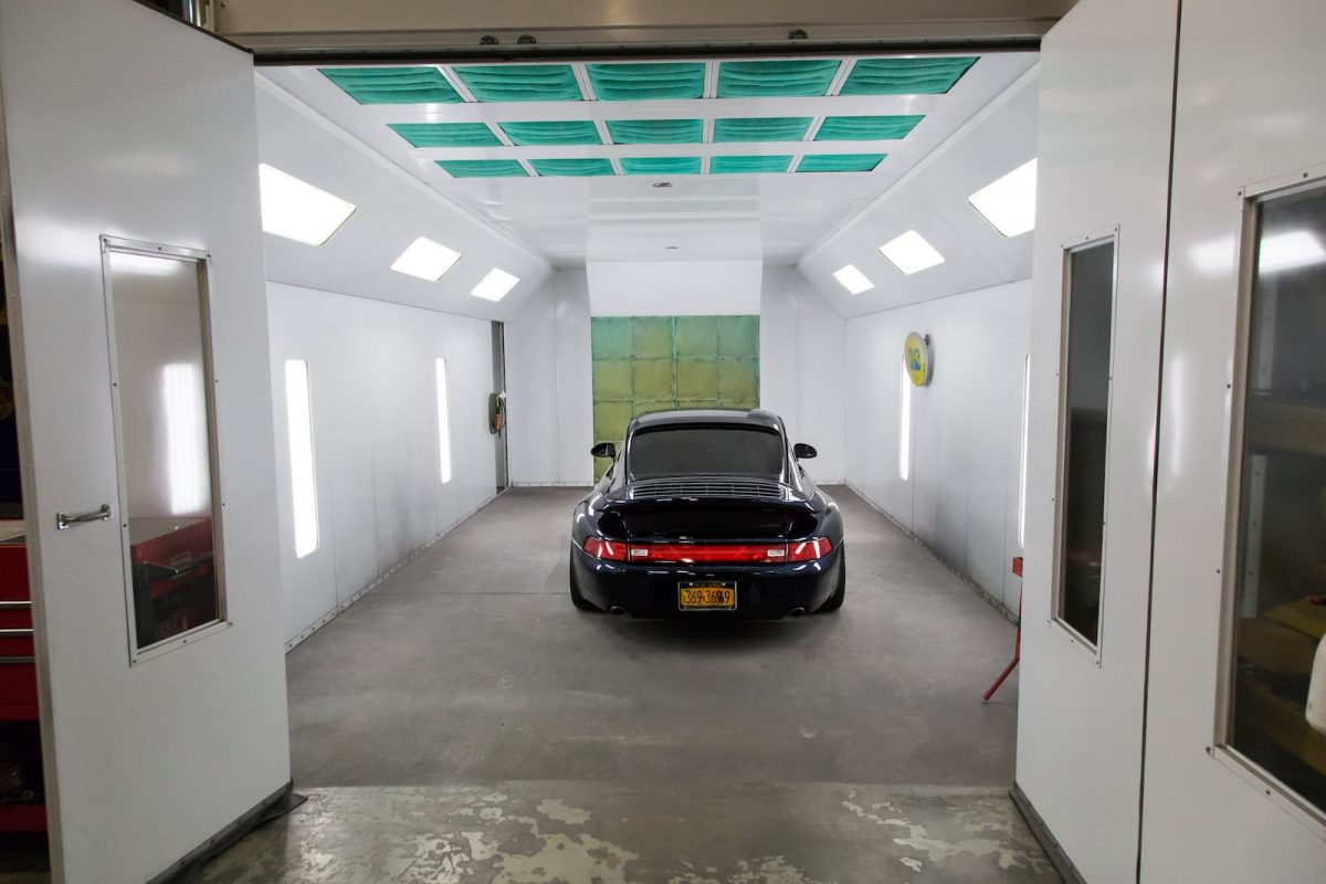 DeMan Motorsport Paint Booth