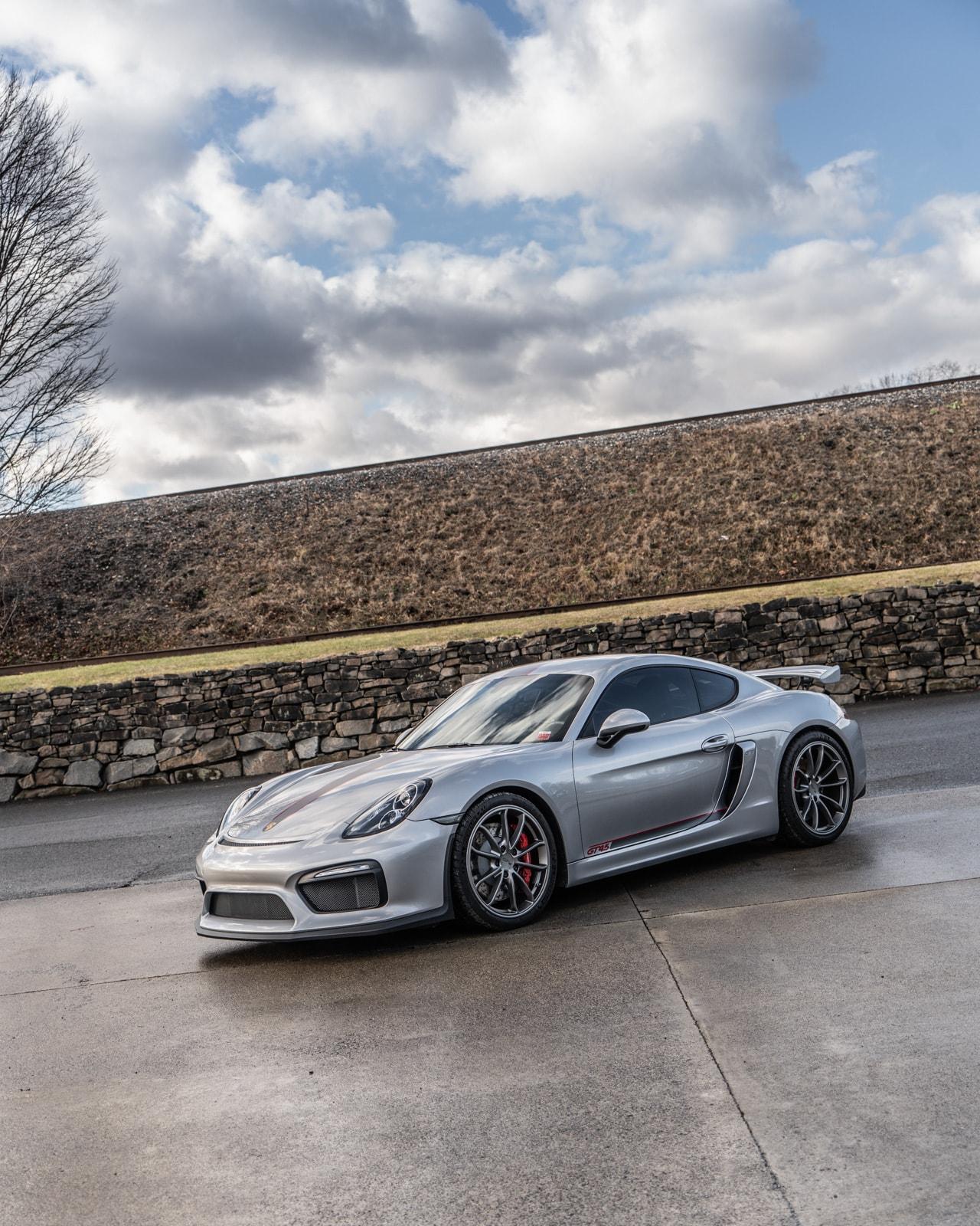 2016 Porsche Cayman 4.5L GT4 • DeMan Motorsport